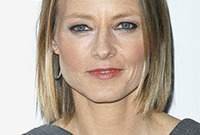 Jodie-foster-simple-makeup-style-side